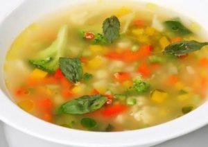 фото к рецепту диетического куриного супа с овощами