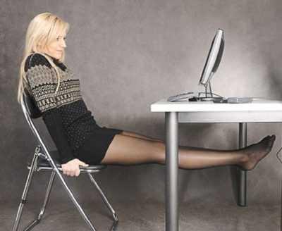 8 упражнений для красивого живота сидя на стуле за рабочим столом