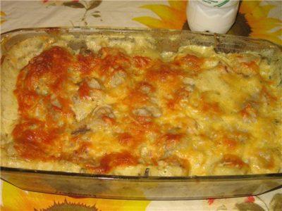готовое рагу, посыпанное сыром