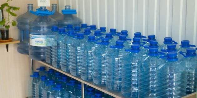 Бутилированная вода для питьевой диеты