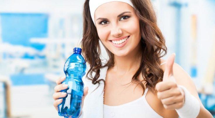 Водная диета для ленивых дает похудение на 1-8 кг и удлиняет жизнь на 20 лет