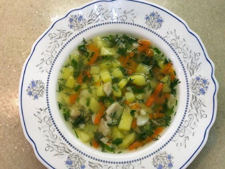 Рыбный диетический суп из минтая