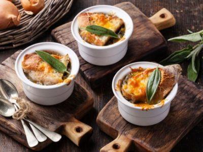 Французская диета для похудения включает луковый суп