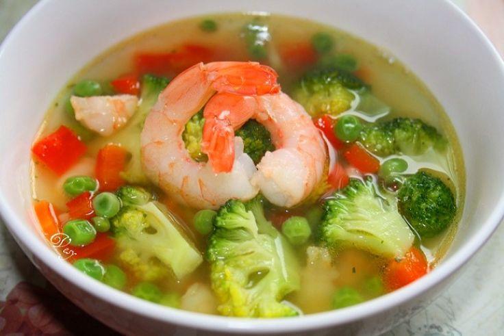 Диетический суп с овощами и рыбой