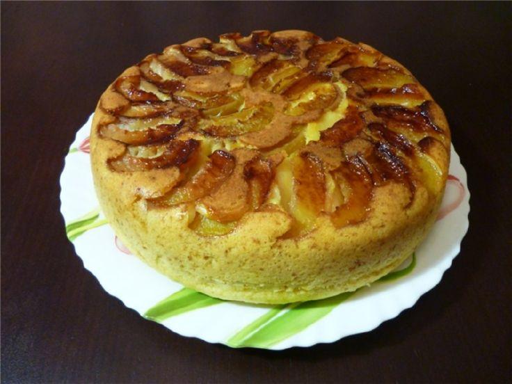 Диетичесский яблочный десерт в мультиварке шарлотка