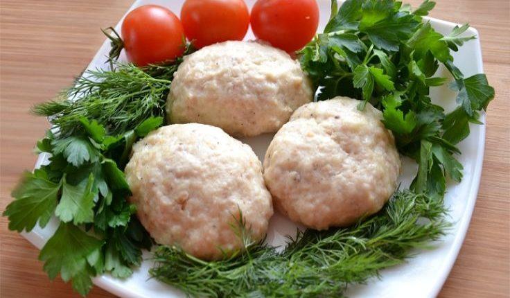 Диетические куриные котлеты на пару с картошкой