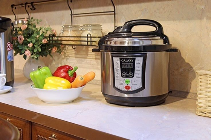 Диетический суп из овощей в мультиварке