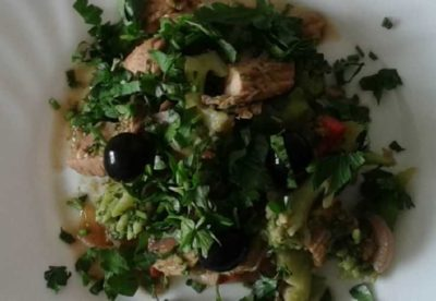 Диетический салат с капустой брокколи