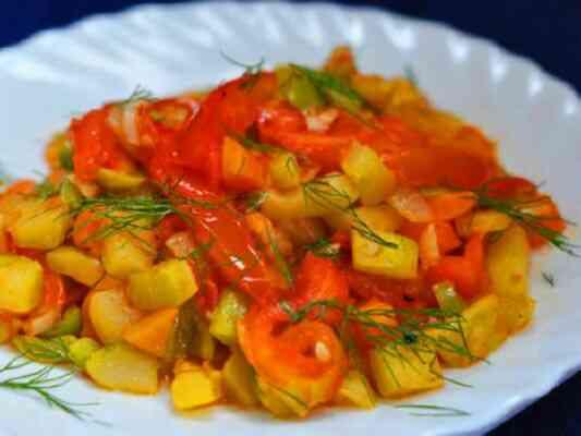 Диетический ужин в мультиварке из овощей