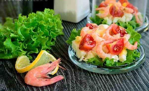 Салат с креветками для диетического ужина