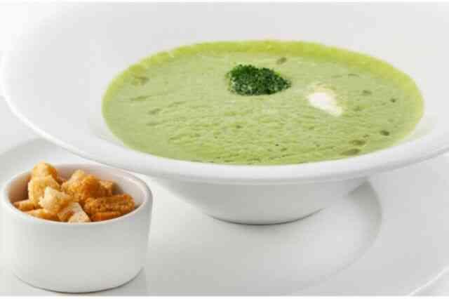 Гороховый крем-суп с сельдереем