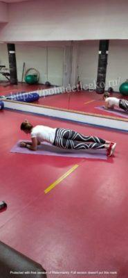 Упражнения для похудения живота и боков в стойке