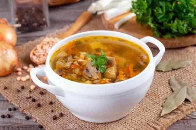 Диетический гороховый суп с грибами