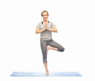 Упражнение йоги для похудения дома дерево