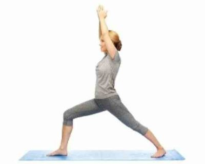 Йога для похудения асана Вирабхадрасана 1