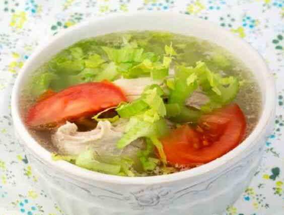 Суп с сельдереем и куриной грудкой