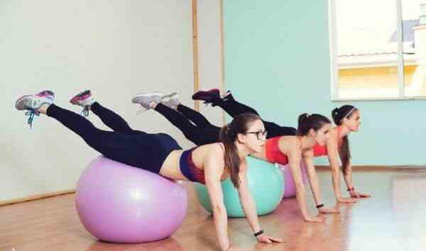 Домашние упражнения на фитболе