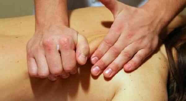 Прием массажа от целлюлита разогрев