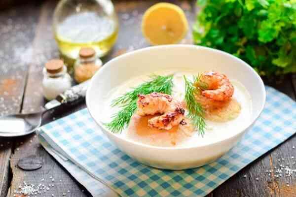 Диетический сырный суп с креветками