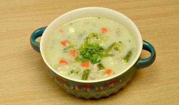 Диетический рецепт супа с овощами и сыром