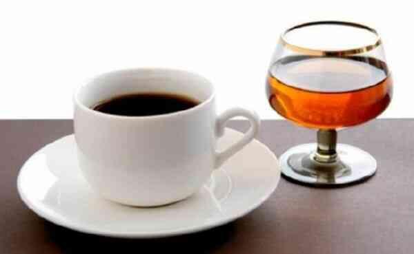 Несочетаемые продукты при похудении кофе и алкоголь