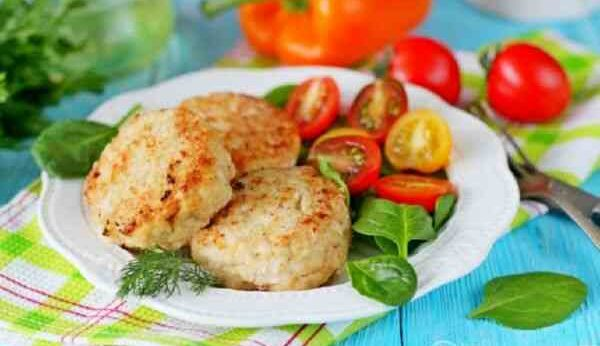 Диетические биточки из рыбы и мяса (7 простых рецептов)